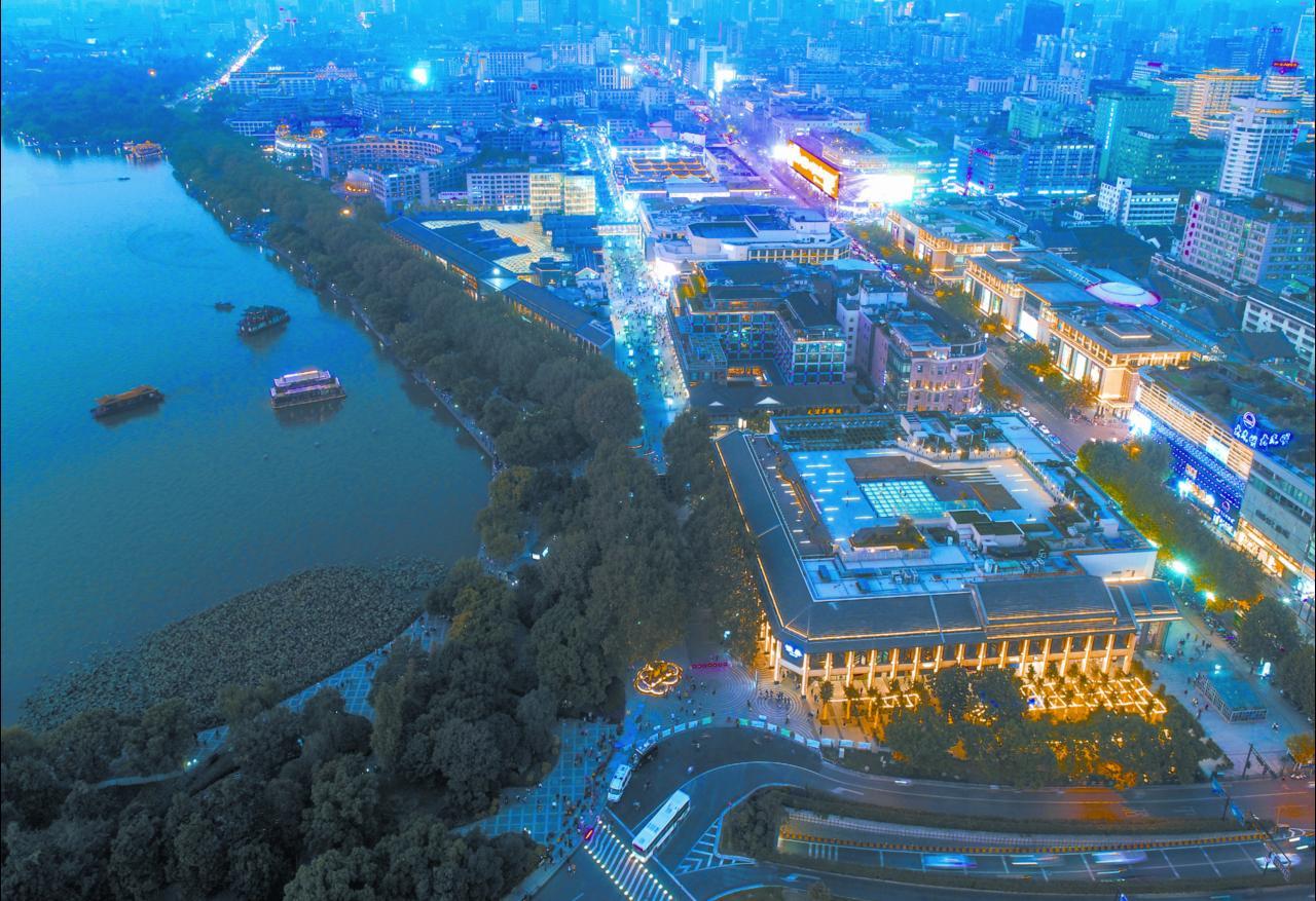 去中国馆看杭州一条街